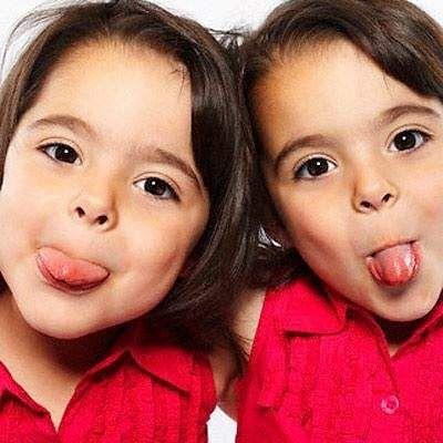 இந்தப்  படத்தில் ஒரு வெற்று ஆல்ட் பண்பு உள்ளது; அதன் கோப்பு பெயர் little-known-facts-about-twins-01-pg-full.jpg