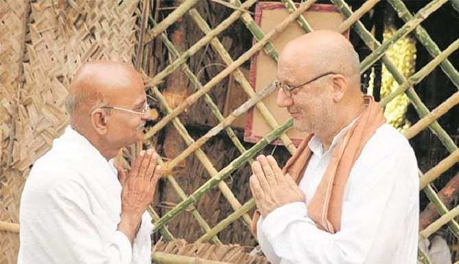 நிழல் காந்தியின் நிஜ முகவரி Gandhi1
