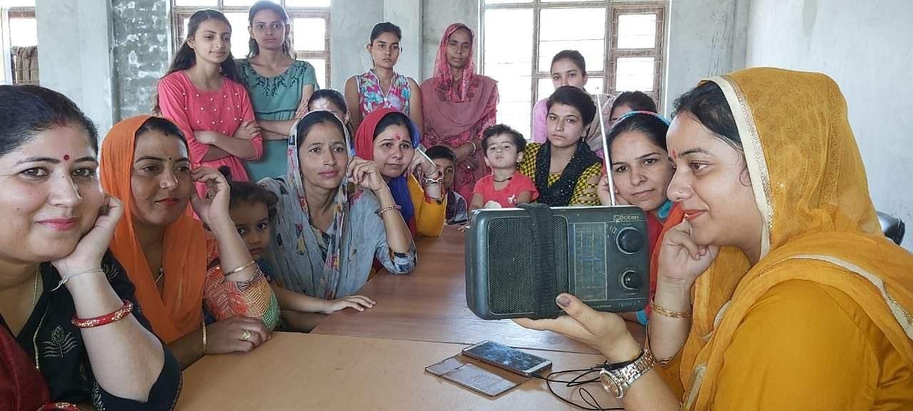 இன்று உலக வானொலி நாள்... Radio_1
