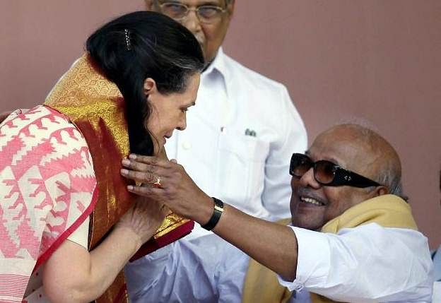 karunanidhi_soniagandhi