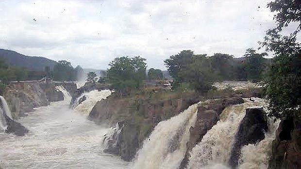 Hogenakkal-falls3
