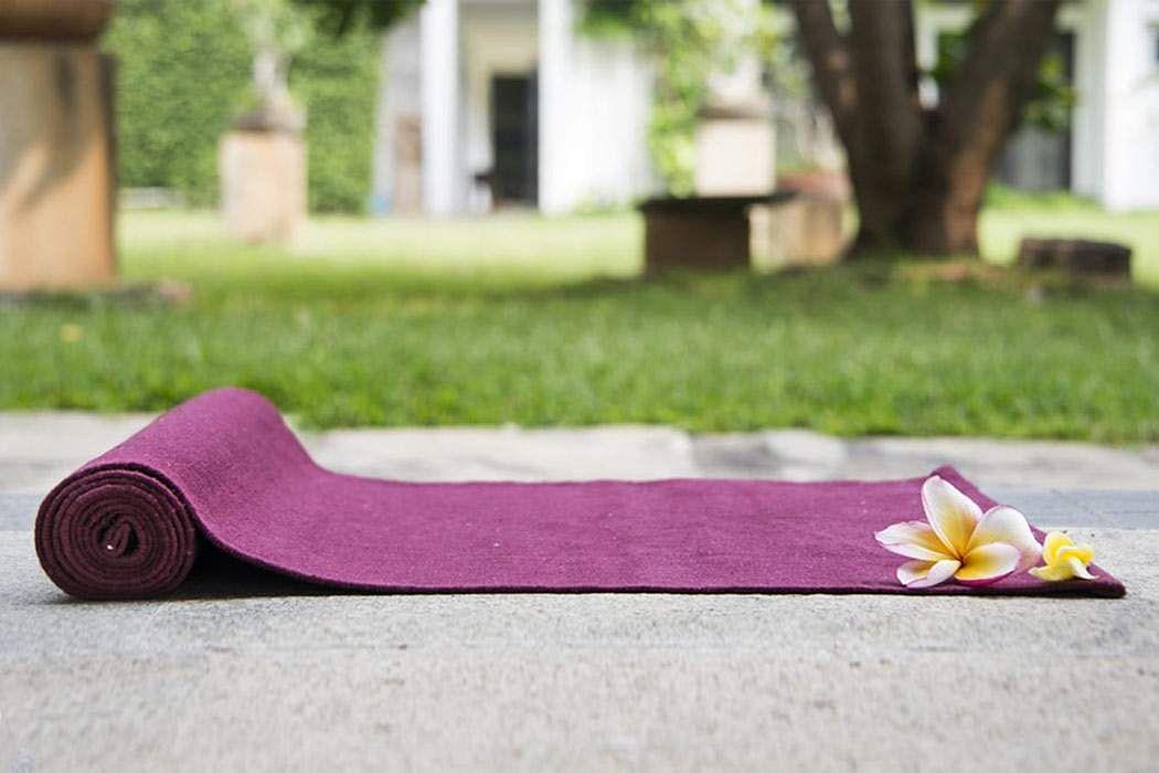 yoga-seyya-enna-yoga-mat-payanpaduthuvathu