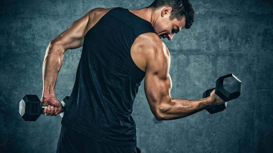 1280-arms-exercise-standing-curls