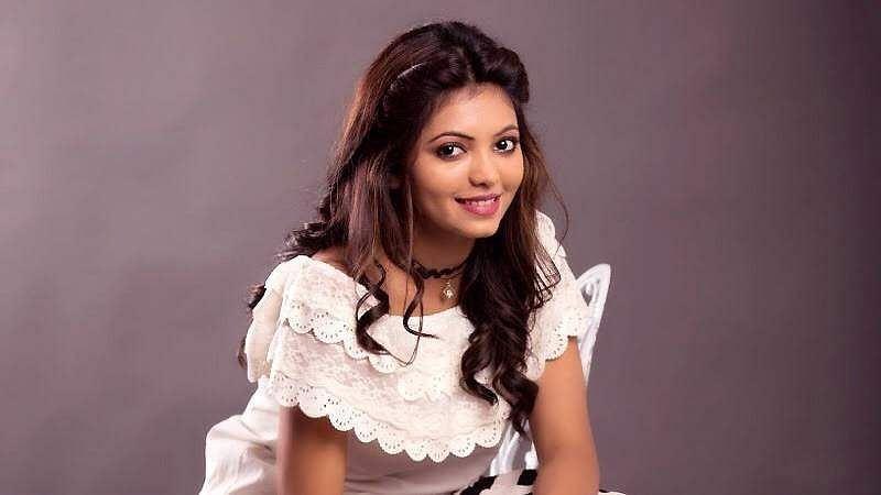 Actress-Athulya-Ravi-12