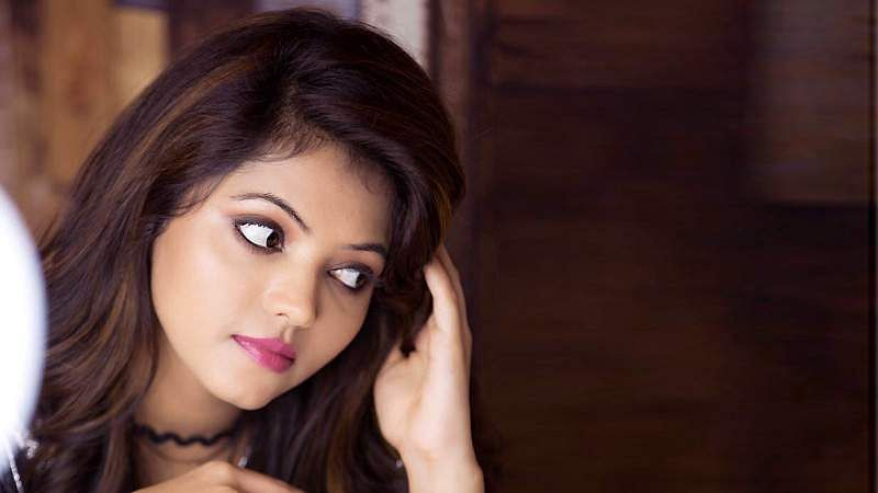 Actress-Athulya-Ravi-13