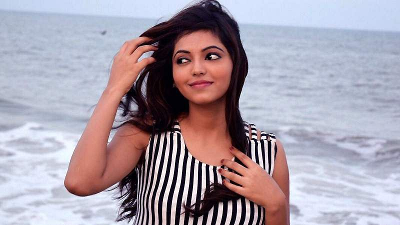 Actress-Athulya-Ravi-2
