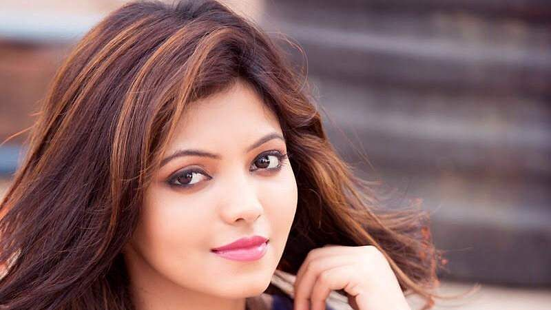 Actress-Athulya-Ravi-4