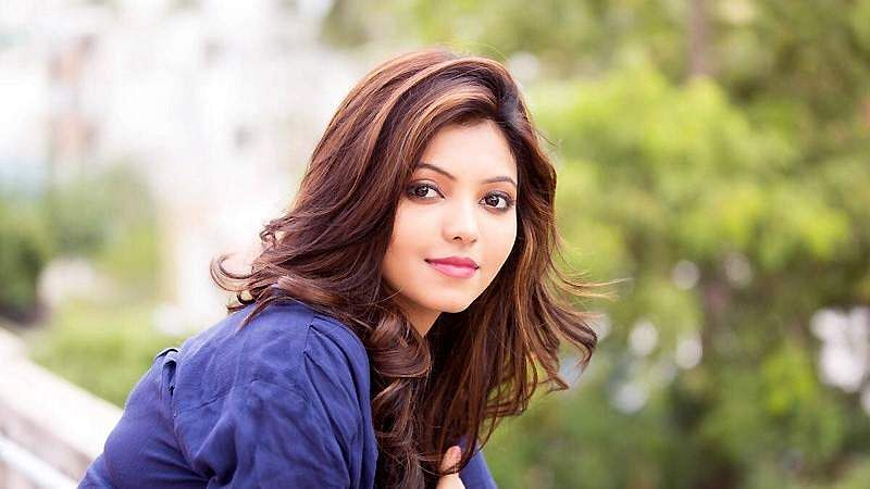 Actress-Athulya-Ravi-6