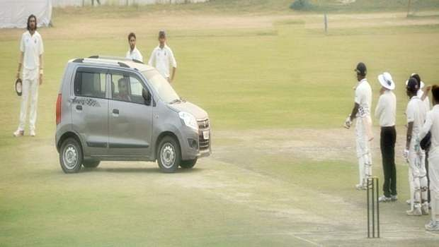 car_in_cricket_pitch