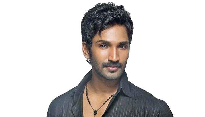 Actor-Aadhi-10