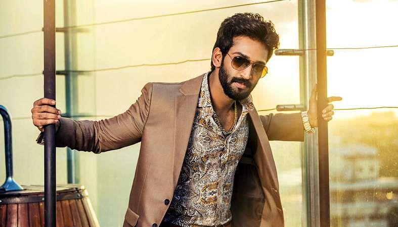 Actor-Aadhi-8