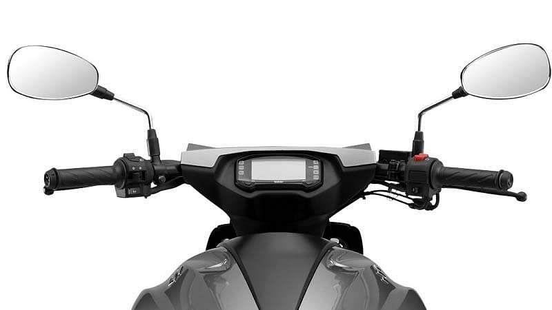 Suzuki-Intruder-8
