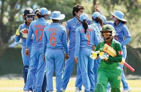 மகளிர் உலகக்கோப்பை தகுதிச் சுற்று : பாகிஸ்தானை வீழ்த்தியது இந்தியா !