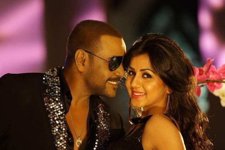 Is Nikki Galrani playing female lead in Kanchana 3??