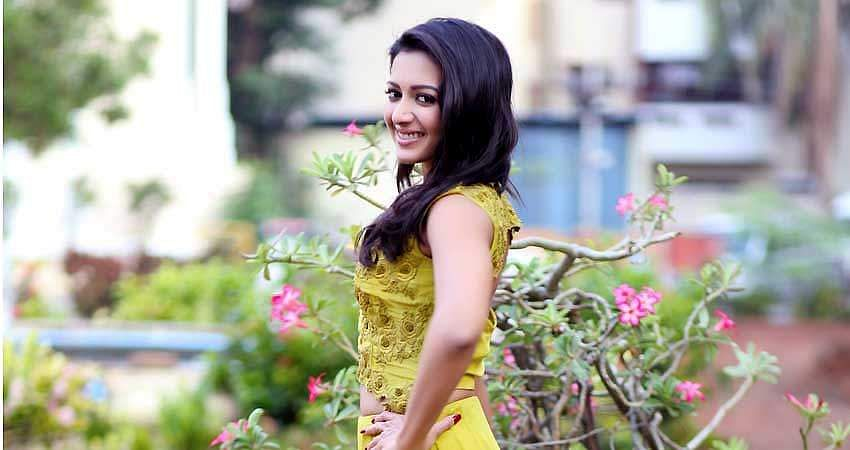 Catherine_Tresa_Stills_(13)
