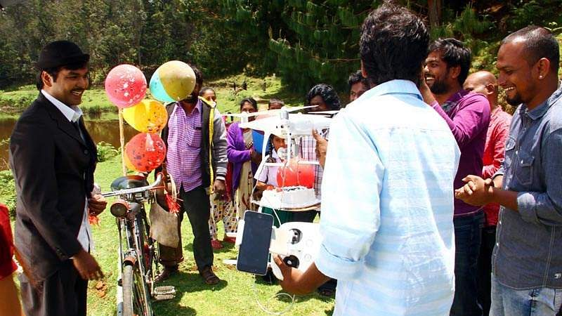 Actor_Jai_Birthday-Celebration-at-Balloon-Shooting-Spot-10