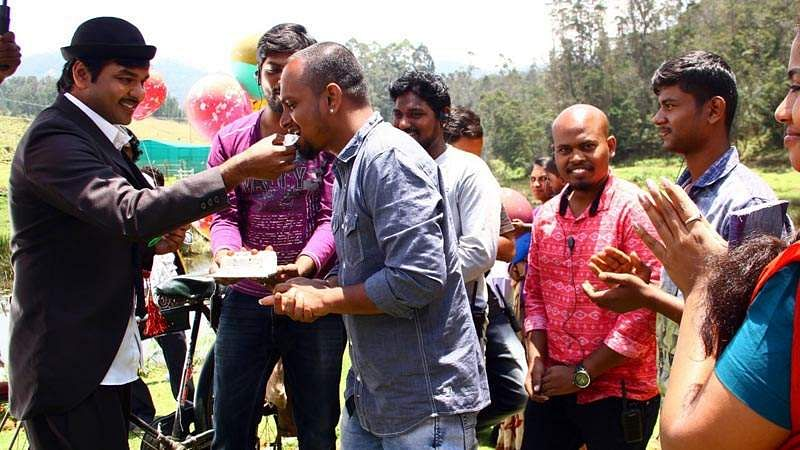 Actor_Jai_Birthday-Celebration-at-Balloon-Shooting-Spot-12