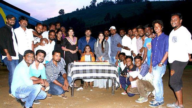 Actor_Jai_Birthday-Celebration-at-Balloon-Shooting-Spot-13