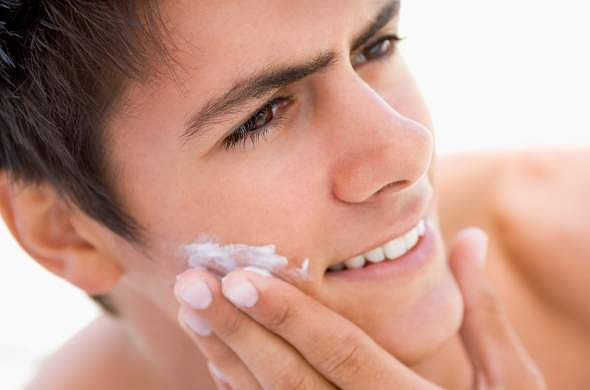 Men-Skincare-Tips-For-Oily-Skin-4