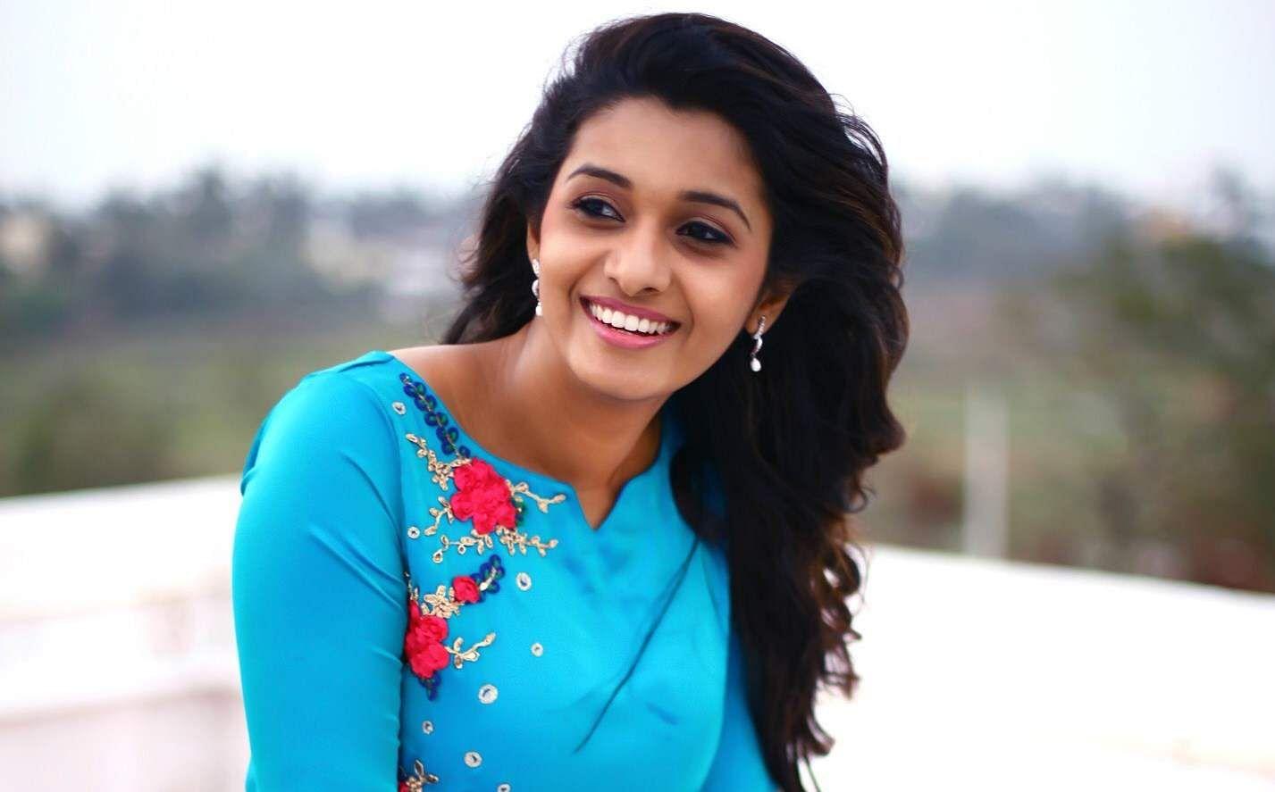 Priya_Bhavani_Shankar_(13)xx