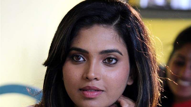 Engada-Irunthinga-Ivvalavu-Naala-Movie-25