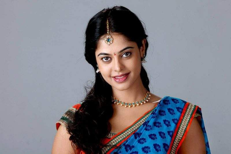 Bindu-Madhavi-Height-Weight-Age-Affairs-Wiki-Facts