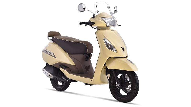 tvs-jupiter-classic-scooter-front