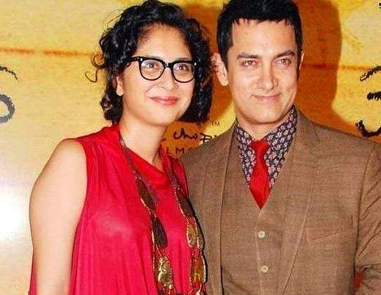 Aamir-with-wife-Kiran-Rao-at-a-film-promotional