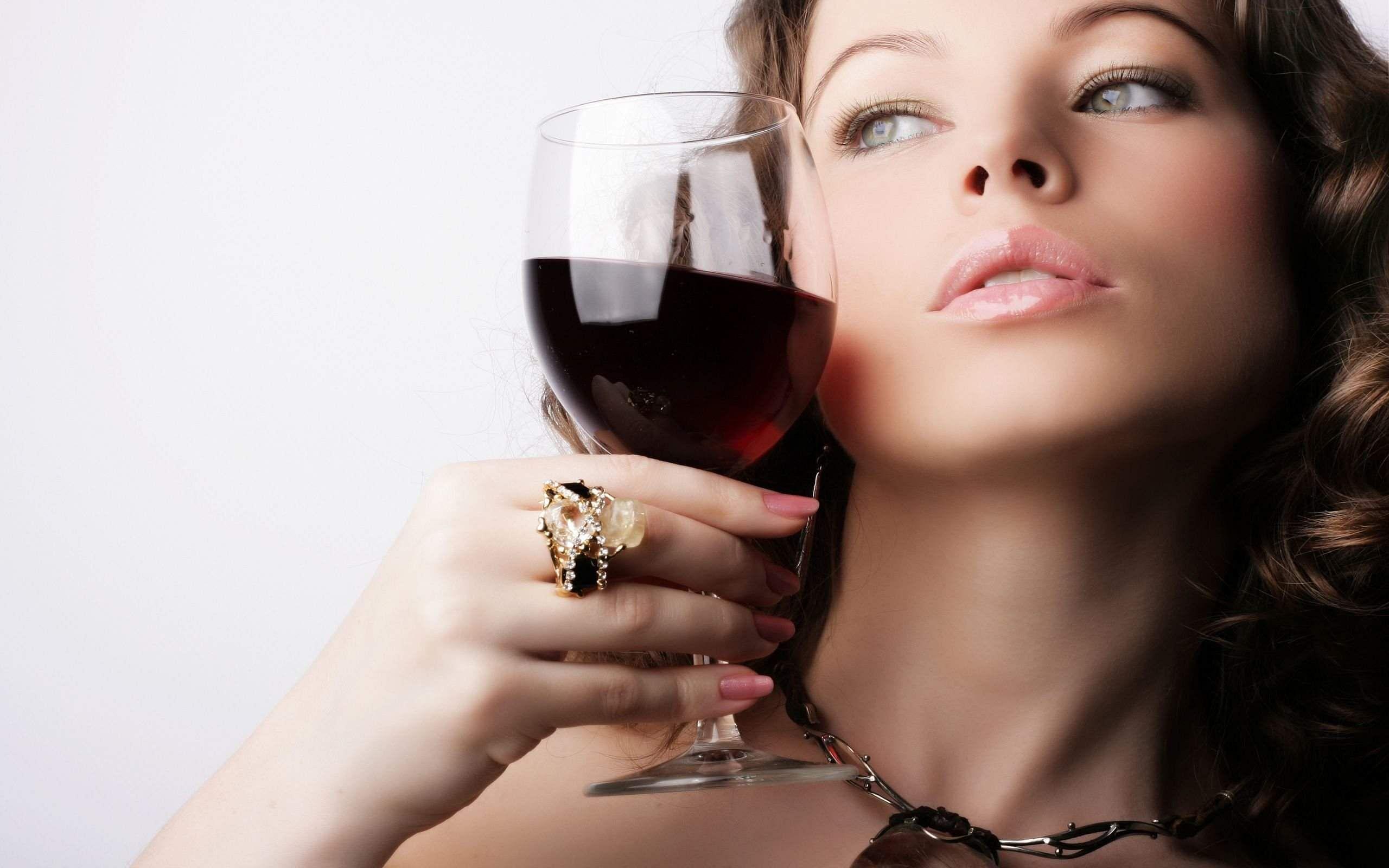 WineGlassFace