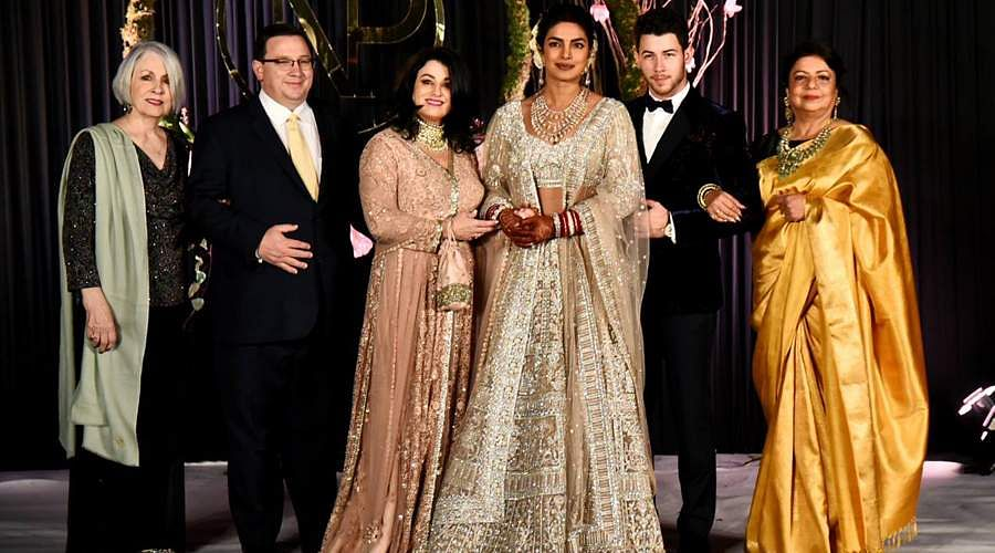 Priyanka-Chopra-and-Nick-Jonas-16