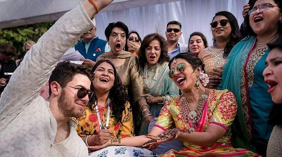Priyanka-Chopra-and-Nick-Jonas-17