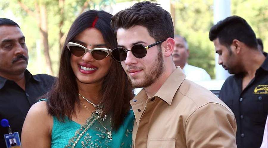 Priyanka-Chopra-and-Nick-Jonas-24