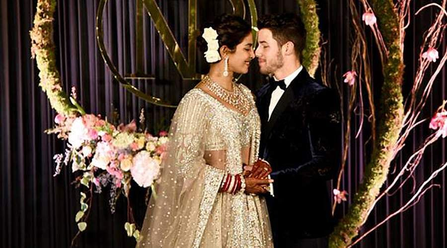 Priyanka-Chopra-and-Nick-Jonas-5a