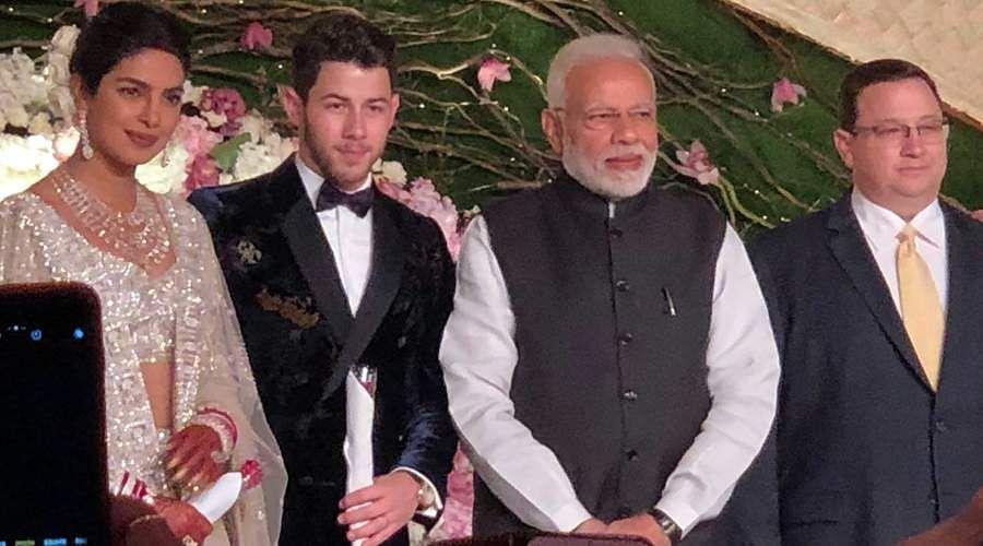 Priyanka-Chopra-and-Nick-Jonas-7