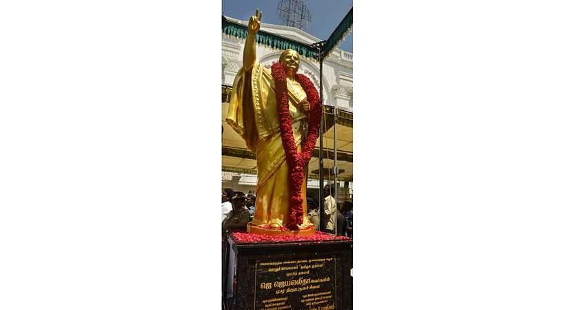 jaya-statue-11