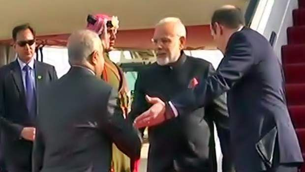 Narendra_Modi09