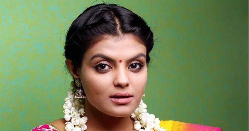 Actress_Tejashree_Jadhav_Photoshoot_Images_(11)