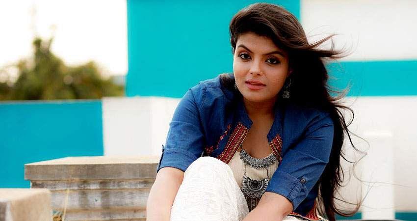 Actress_Tejashree_Jadhav_Photoshoot_Images_(14)