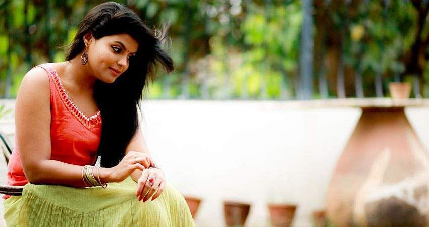 Actress_Tejashree_Jadhav_Photoshoot_Images_(16)