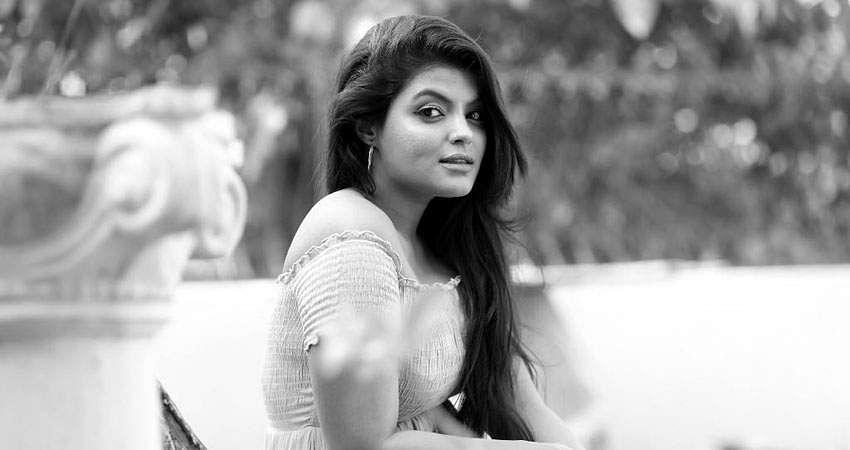 Actress_Tejashree_Jadhav_Photoshoot_Images_(2)