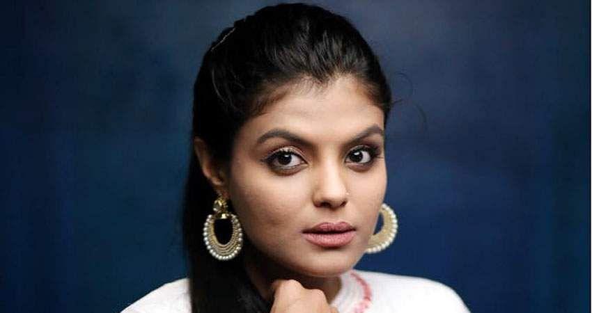 Actress_Tejashree_Jadhav_Photoshoot_Images_(27)