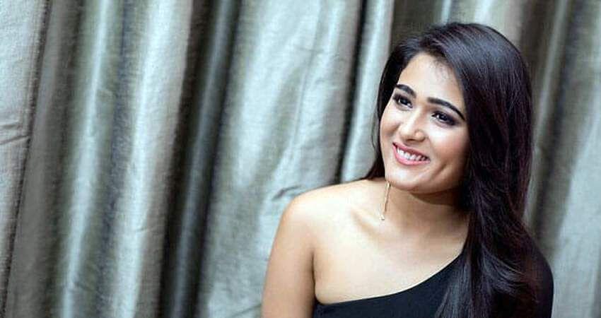 actress-shalini-pandey-2