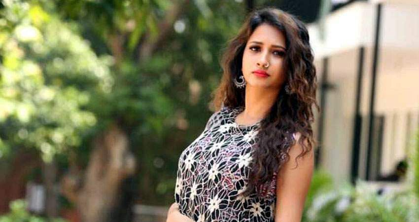 Actress_Manvitha_Harish_Stills-16
