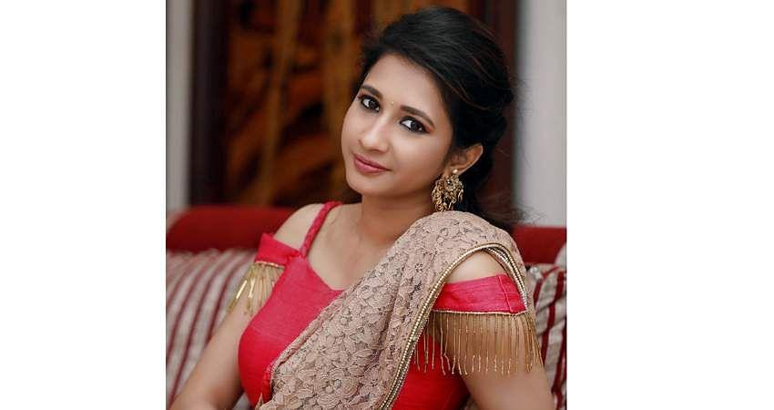 Actress_Manvitha_Harish_Stills-3