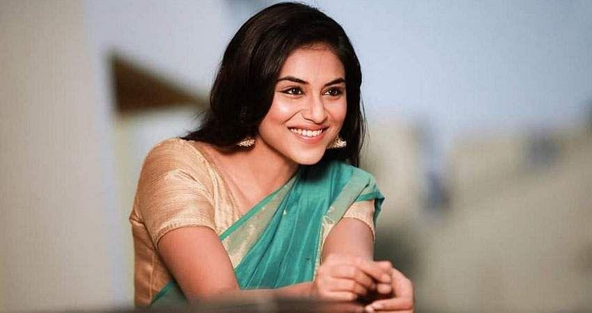 Actress-Induja-stills-1