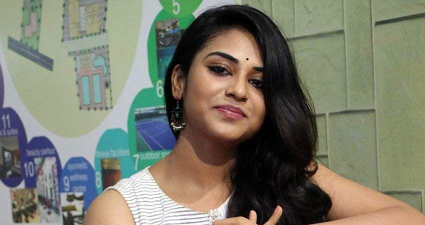 Actress-Induja-stills-13