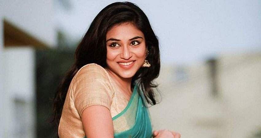 Actress-Induja-stills-4