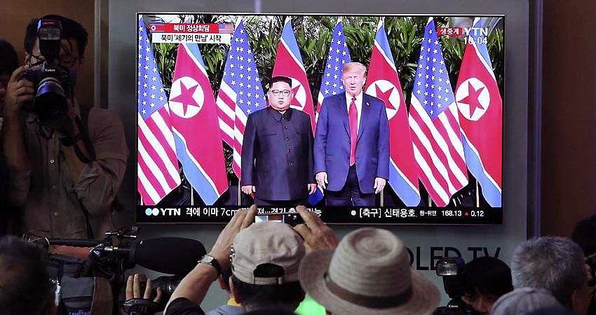 trump-Kim_Jong-16