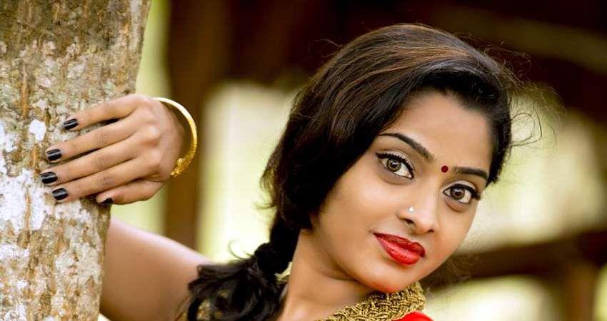 Actress_SunuLakshmi_Photos_006