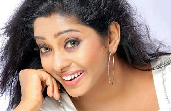 Actress_SunuLakshmi_Photos_009